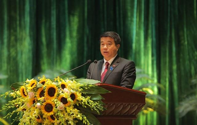 Ông Y Thanh Hà Niê Kđăm, Bí thư Đảng ủy Khối Doanh nghiệp Trung ương phát biểu tại đại hội.