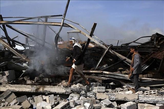 Cảnh tàn phá sau các cuộc không kích tại Sanaa, Yemen, ngày 2/7/2020. Ảnh: THX/TTXVN.