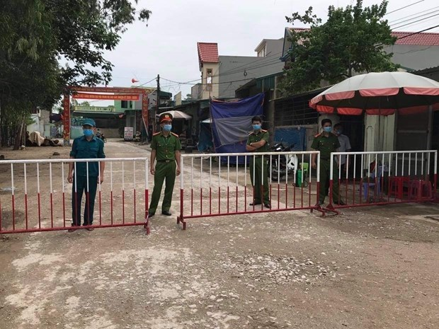 Thanh Hóa họp khẩn trong đêm sau khi có bệnh nhân Covid-19 ở Sầm Sơn - Ảnh 2
