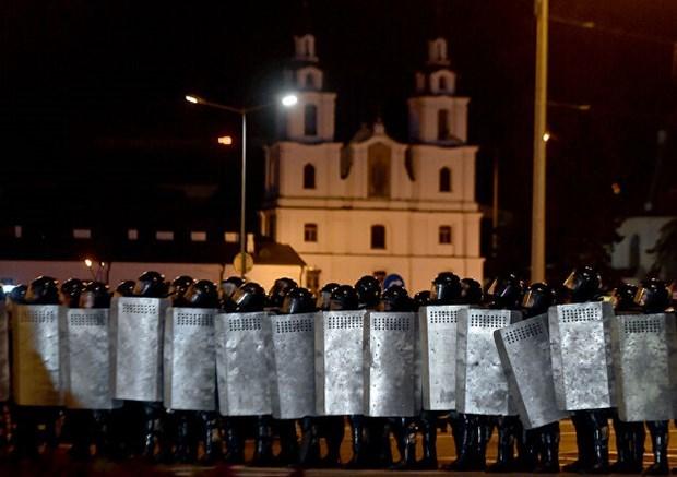 Lực lượng an ninh Minsk sau cuộc bầu cử. (Nguồn: AFP).