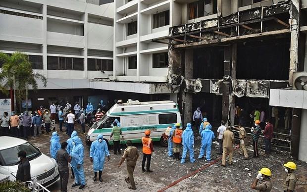 Hiện trường vụ cháy tại cơ sở điều trị bệnh nhân Covid-19 ở Ấn Độ. (Nguồn: CGTN).