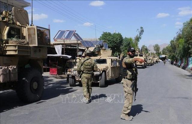 Binh sĩ Afghansitan tuần tra tại Farah, Afghansitan. Ảnh: AFP/TTXVN.