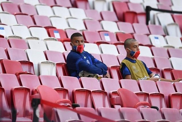 Cận cảnh PSG ngược dòng khó tin, giành vé bán kết Champions League - Ảnh 2
