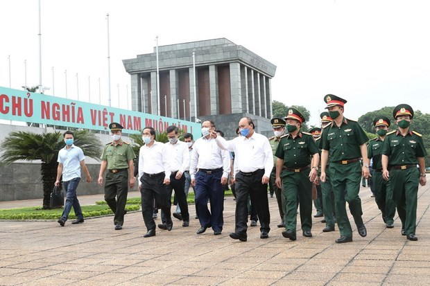 Thủ tướng đồng ý mở cửa trở lại đón khách vào Lăng viếng Bác từ 15/8 - Ảnh 1