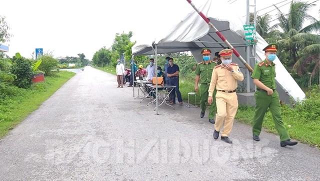 Chốt kiểm soát dịch Covid-19 tại huyện Thanh Hà (Hải Dương). Nguồn: Báo Hải Dương.