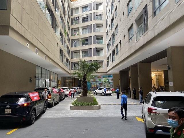 Việc tranh chấp bãi đậu xe giữa Công ty Phát Đạt và cư dân sống ở dự án The EverRich Infinity vẫn chưa đến hồi kết.