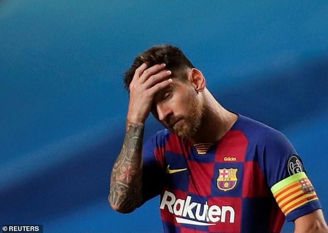 Messi đang trải qua những ngày tháng khó khăn nhất sự nghiệp liên quan đến tương lai. Anh được Man City chào mời bản hợp đồng có thời hạn 5 năm với chi phí lên đến 750 triệu euro.