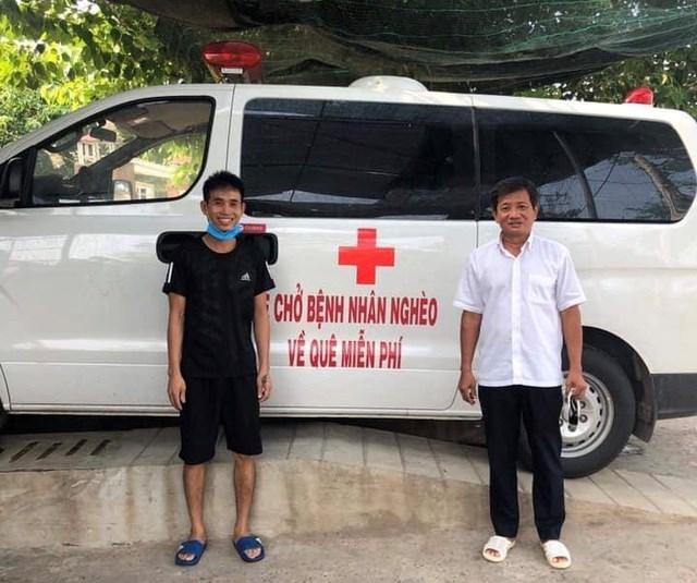Ông Đoàn Ngọc Hải cùng 'xe chở miễn phí bệnh nhân nghèo' ra tới Hà Nội - Ảnh 2