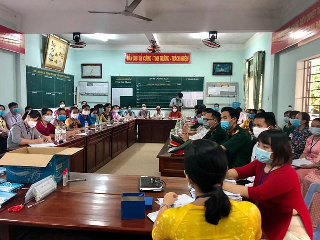 Đoàn của Bộ GD-ĐT kiểm tra công tác thi ở Quảng Nam.