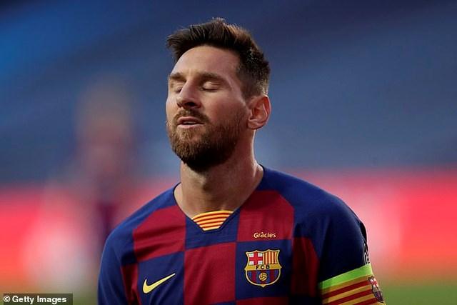 Andy Robertson sợ Messi cập bến Premier League.