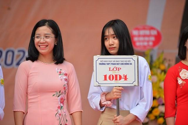 Khai giảng nhanh gọn giữa mùa Covid-19 ở ngôi trường THPT tự chủ duy nhất tại Hà Nội - Ảnh 5
