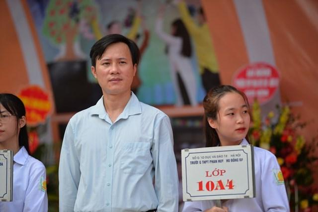 Khai giảng nhanh gọn giữa mùa Covid-19 ở ngôi trường THPT tự chủ duy nhất tại Hà Nội - Ảnh 6