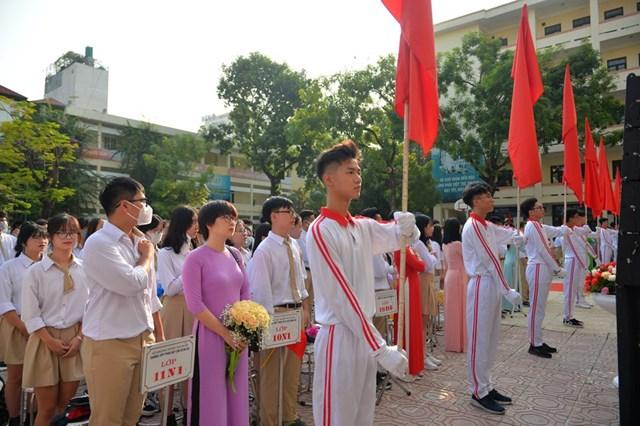 Khai giảng nhanh gọn giữa mùa Covid-19 ở ngôi trường THPT tự chủ duy nhất tại Hà Nội - Ảnh 7