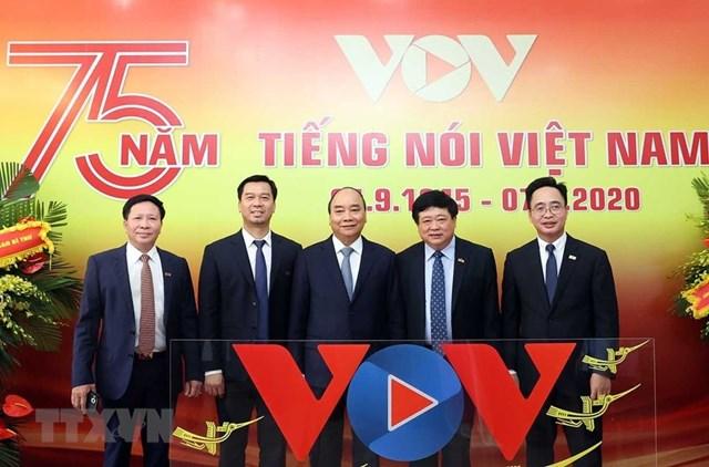 Thủ tướng dự kỷ niệm 75 năm Ngày thành lập Đài tiếng nói Việt Nam - Ảnh 1