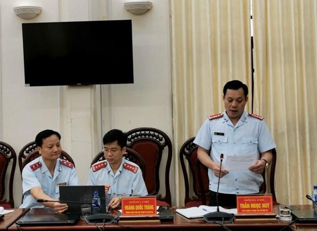 Phó Chánh Thanh tra Bộ Nội vụ Trần Ngọc Huy công bố Quyết định thanh tra tại UBND tỉnh Ninh Bình.