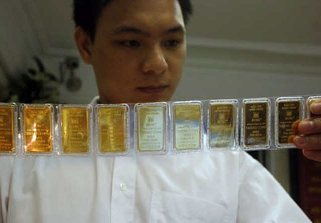 Giới chuyên gia cho rằng, mỗi khi giá vàng suy giảm cũng là cơ hội mua vào (ảnh minh họa).