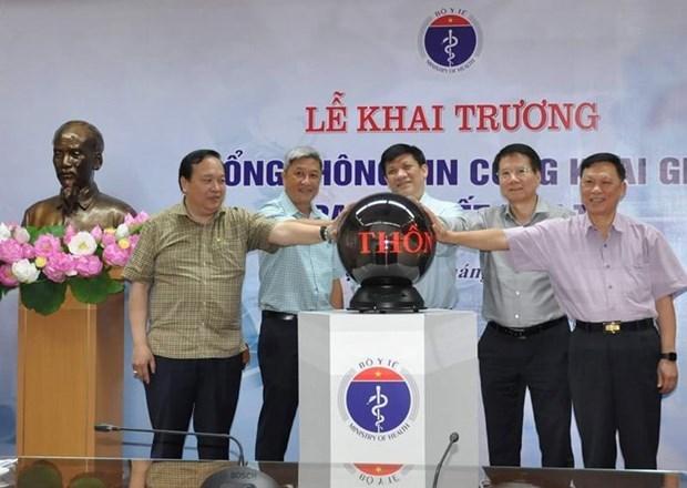 Lãnh đạo Bộ Y tế khai trương Cổng thông tin công khai giá trang thiết bị y tế. (Ảnh: PV/Vietnam+).