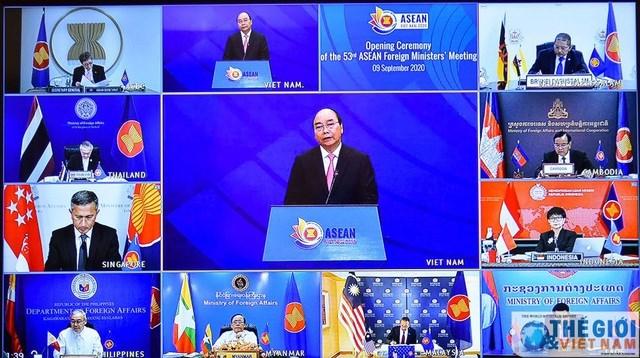 Thủ tướng Nguyễn Xuân Phúc phát biểu khai mạc Hội nghị Bộ trưởng Ngoại giao ASEAN lần thứ 53 vào sáng 9/9 (Ảnh: Tuấn Anh/Thế giới & Việt Nam).