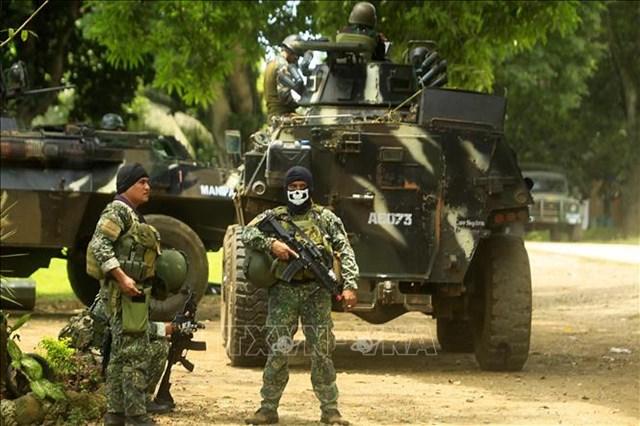 Binh sĩ Philippines tham gia chiến dịch truy quét phiến quân Abu Sayyaf tại thị trấn Patikul, tỉnh Sulu, Philippines. Ảnh: AFP/TTXVN.