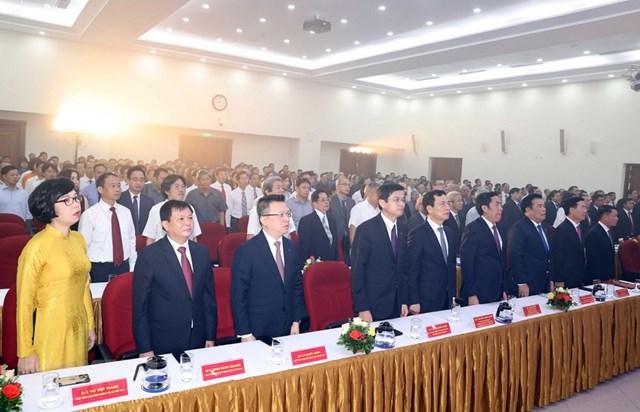 [ẢNH]Thủ tướng Nguyễn Xuân Phúc dự Lễ kỷ niệm 75 năm Ngày thành lập TTXVN - Ảnh 16