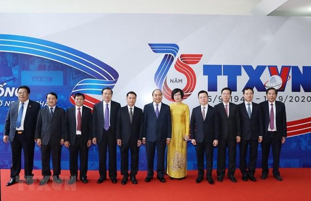 [ẢNH]Thủ tướng Nguyễn Xuân Phúc dự Lễ kỷ niệm 75 năm Ngày thành lập TTXVN - Ảnh 3
