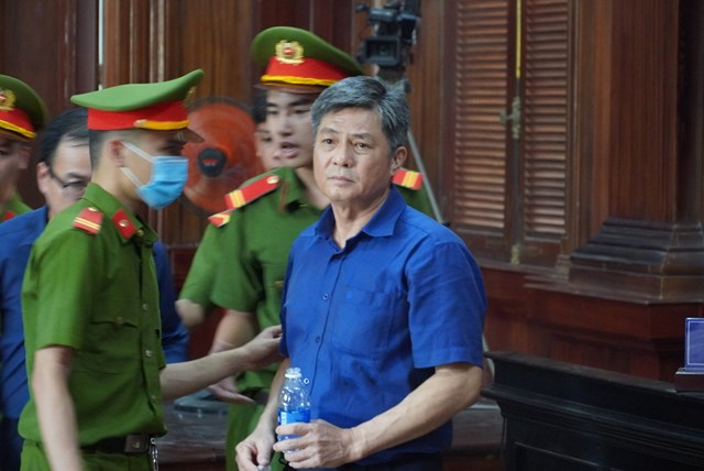Bị cáo Đào Anh Kiệt đến phòng xử án chiều 16/9.
