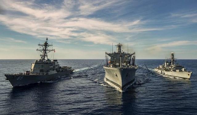 Tàu chiến HMS Argyll của Hải quân Anh tham gia diễn tập với Hải quân Mỹ ở Biển Đông hồi tháng 1/2019. (Ảnh: US Navy).