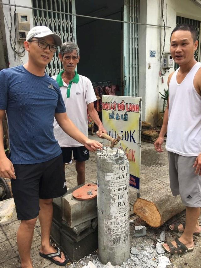 Hình ảnh cột điện hạ áp tại số nhà 102 Tôn Đản (quận Cẩm Lệ) bị gãy do bão số 5.