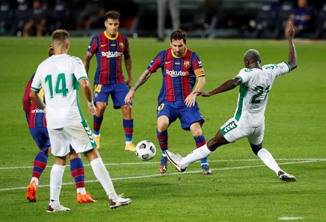 Messi đá 90 phút trong chiến thắng của Barcelona.