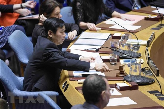 Ngày 21/1/2020, tại trụ sở Liên hợp quốc ở New York (Mỹ), trên cương vị Chủ tịch Hội đồng Bảo an Liên hợp quốc trong tháng 1/2020, Đại sứ Đặng Đình Quý, Trưởng phái đoàn thường trực Việt Nam tại Liên hợp quốc chủ trì phiên thảo luận mở của Hội đồng Bảo an về tình hình Palestine-Israel. Ảnh: TTXVN.