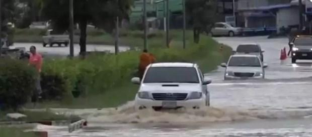 Bão nhiệt đới Noul gây lũ lụt, ảnh hưởng tới 22 tỉnh ở Thái Lan - Ảnh 1