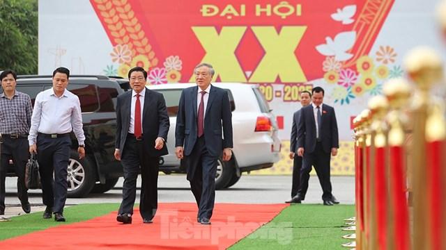 Trưởng Ban Nội chính Trung ương, Bí thư Trung ương Đảng Phan Đình Trạc và Chánh án TAND Tối cao Nguyễn Hòa Bình.