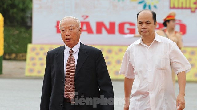 Nguyên Chủ tịch Quốc hội Nguyễn Văn An dự Đại hội.