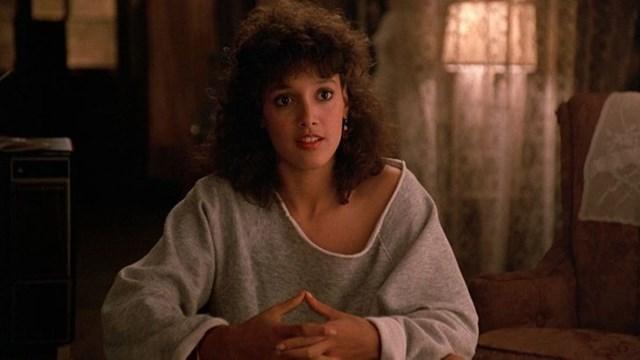 Flashdance kể về giấc mơ trở thành vũ công chuyên nghiệp của một cô gái xuất thân từ tầng lớp lao động.
