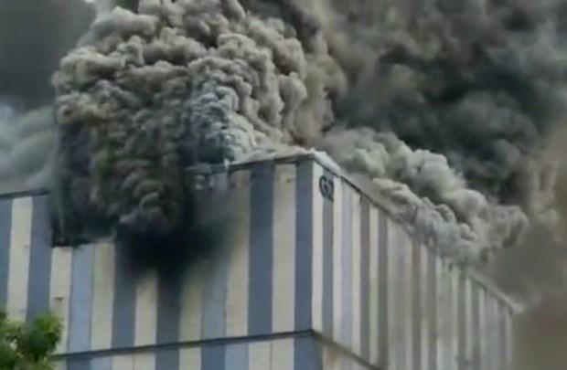 Cơ sở nghiên cứu của Huawei bị cháy. (Ảnh: Weibo).