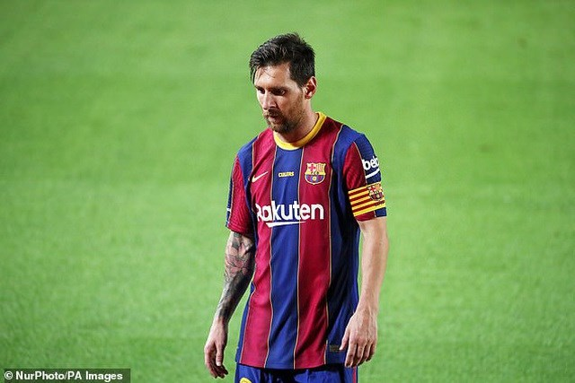 Messi bất mãn với chính sách chuyển nhượng của Barcelona.