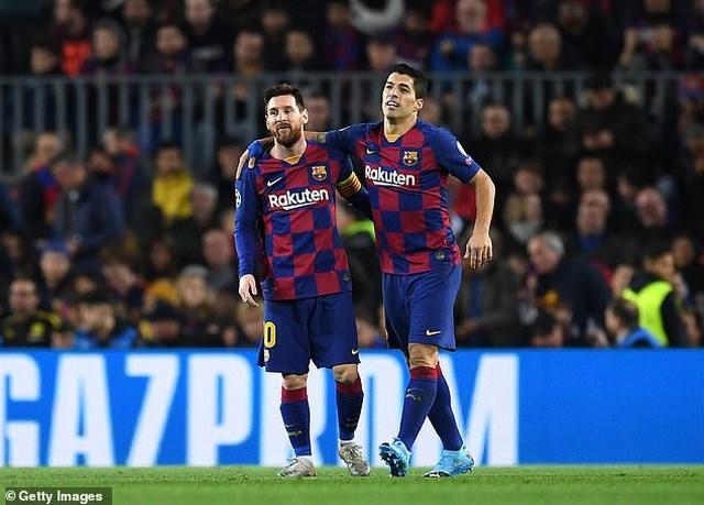 Messi không hài lòng khi Barcelona bán Luis Suarez.