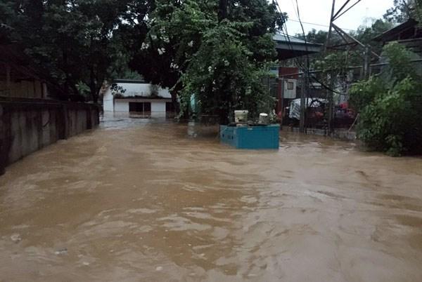 Nhiều nhà dân bị ngập sâu trong nước. (Nguồn: Báo Lào Cai).