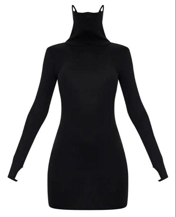 Thời trang thời Covid-19: Chiếc váy cổ lọ tích hợp khẩu trang - Ảnh 1