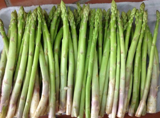 Điểm danh 10 loại rau củ không chứa đường, càng ăn càng eo thon dáng đẹp - Ảnh 2
