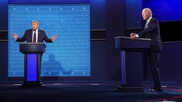 Buổi tranh luận giữa hai ứng cử viên. (Ảnh: NYT).