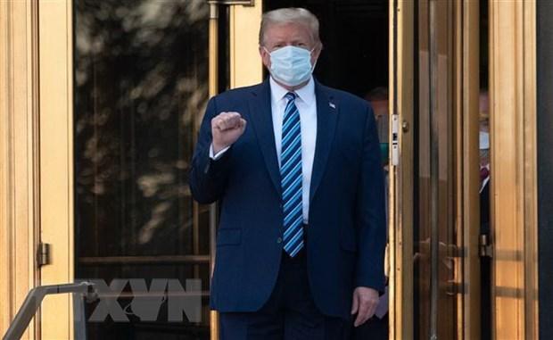 Bác sỹ xác nhận ông Trump không còn nguy cơ truyền bệnh Covid-19 - Ảnh 1