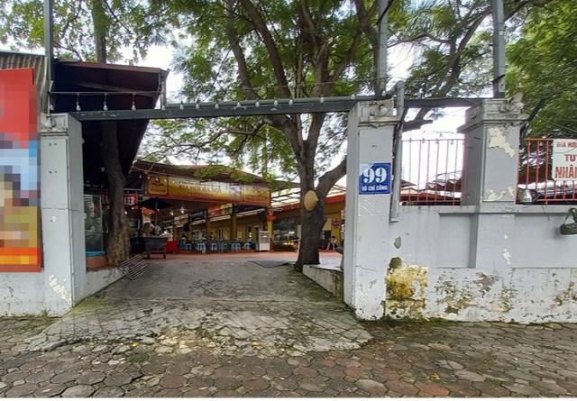 Quán bia có diện tích rộng hàng trăm m2 trên khuôn viên của Trung tâm Văn hóa - Thông tin và Thể thao quận Tây Hồ.