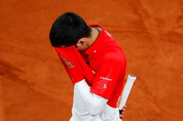 Djokovic chưa thể chơi tốt hơn trong các game cầm giao bóng trong set 2.