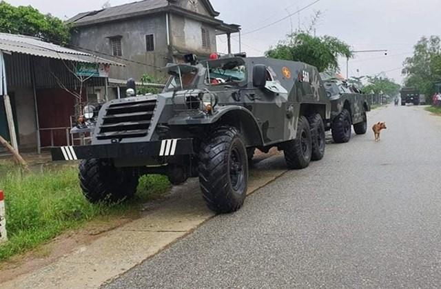 Các phương tiện cơ giới đến xã Phong Xuân phục vụ công tác cứu hộ, cứu nạn. Nguồn: CAND.