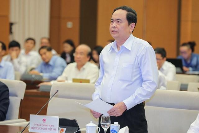 Chủ tịch Trần Thanh Mẫn phát biểu tại cuộc họp.