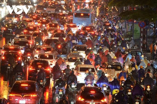 Tình trạng ách tắc ở tuyến Tây Sơn - Nguyễn Trãi chủ yếu theo hướng ra ngoài thành phố.