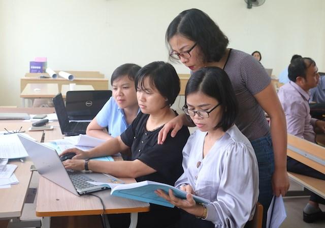 Hơn 400 giáo viên miền núi phía Bắc được bồi dưỡng chương trình mới  - Ảnh 2