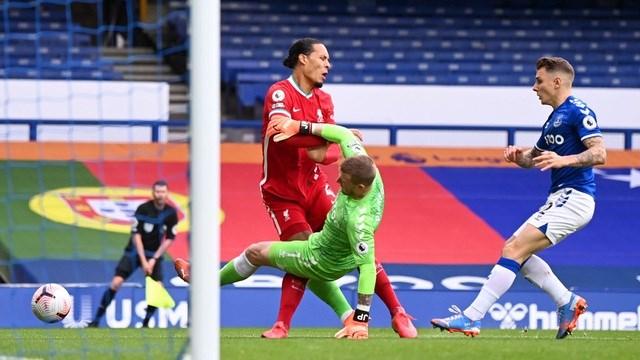 Chấn thương của Van Dijk là tổn thất quá lớn với Liverpool.