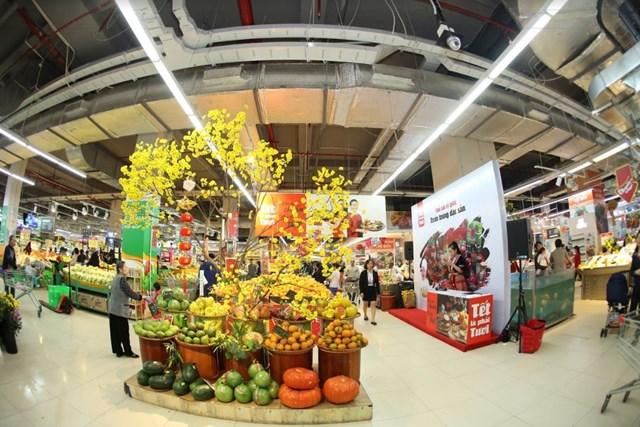 Vinmart hỗ trợ địa điểm bán hoa – cây cảnh Tết - 1
